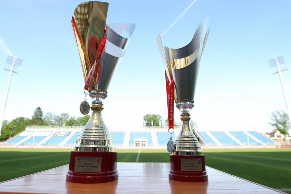 Trofea PP kobiet; foto: pzpn.pl